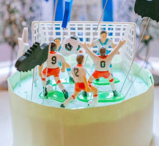 可爱的足球场蛋糕图片